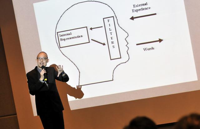 新加坡國立大學法律學者Dr. Joel Lee以腦科學分享調解經驗