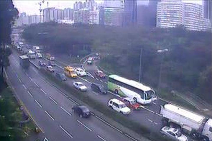 龍翔道交通擠塞。
