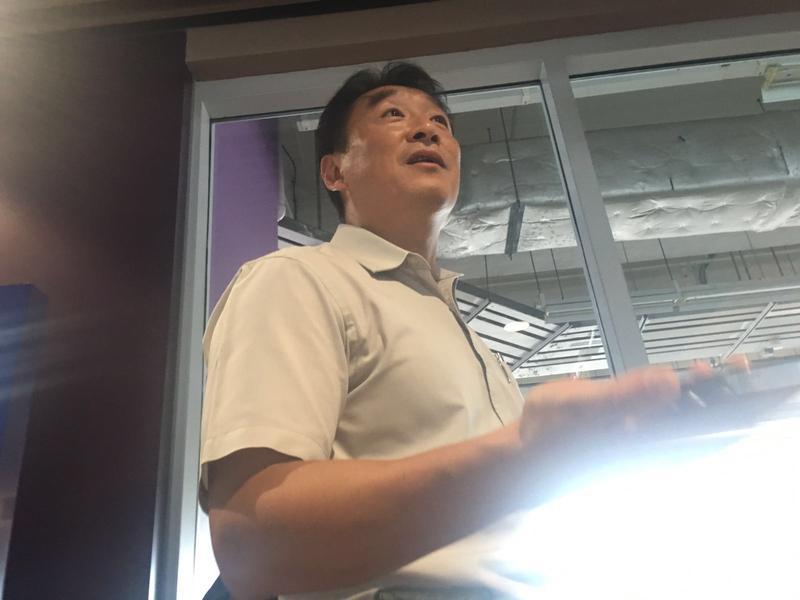 黃先生表示若然要清盤都好無奈。方嘉欣攝