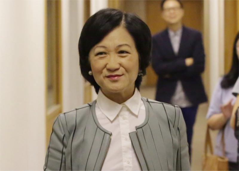 葉劉淑儀當選人事編制小組委員會主席。