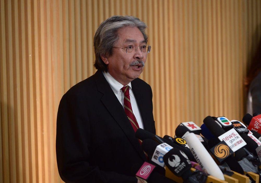 香港前财长宣布参选特首 大打爱国主义牌