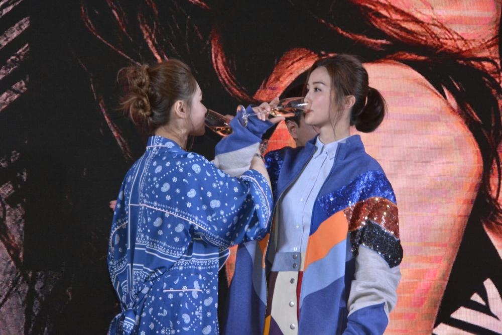 有粉絲要求Twins多唱非主流作品。