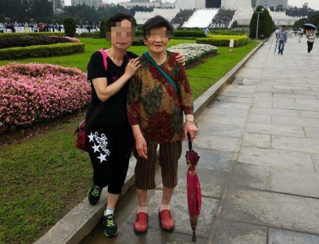 婆婆與媳婦兩人感情要好。