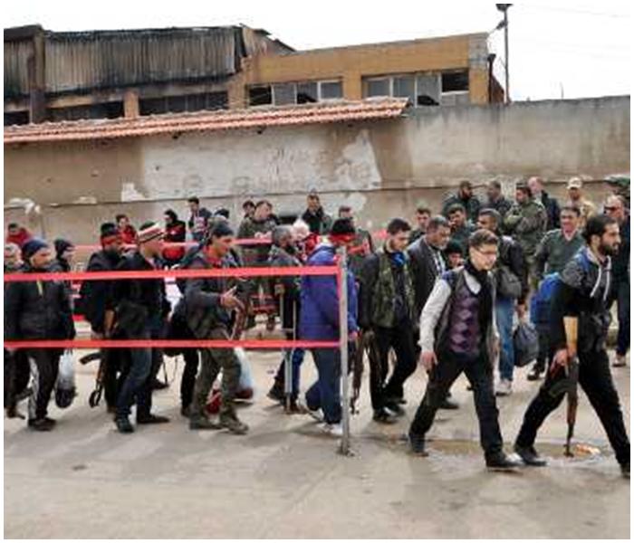 反政府武裝先在東郊地區的朱巴爾區政府軍據點發動汽車炸彈襲擊,再朝市區推進。新華社圖片