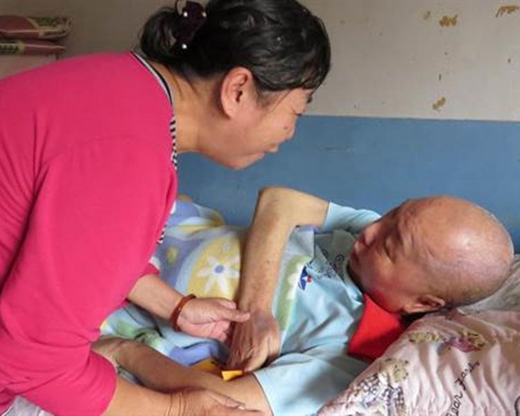 62歲婦向癱瘓翁「朋友」求婚。網上圖片