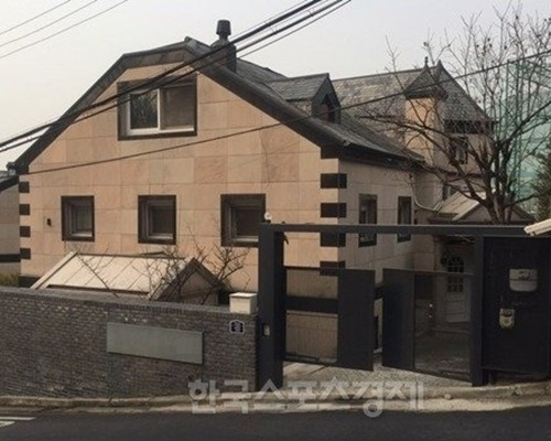 韓媒指這正是Rain同金泰希快將搬入的新居。