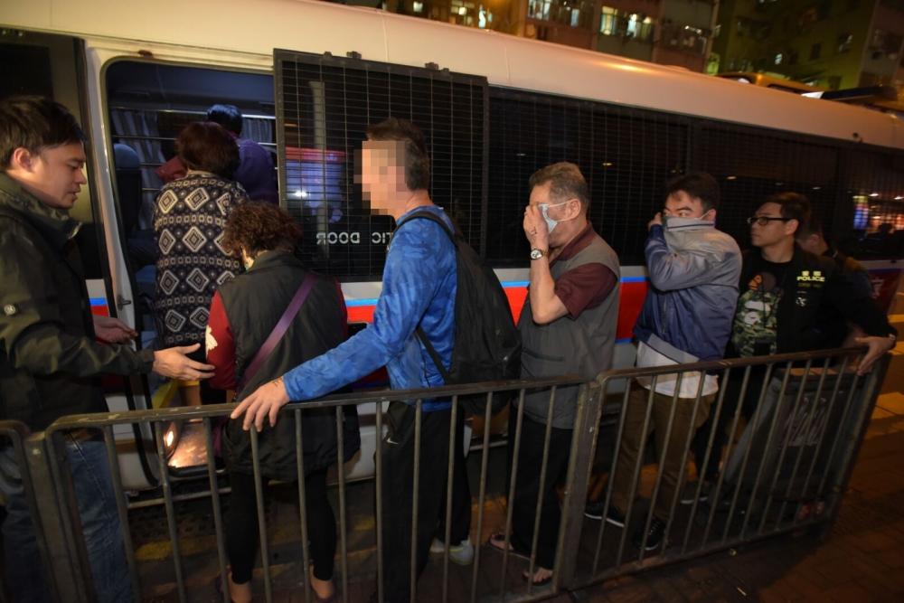 行動中警方拘捕18人。黃文威攝
