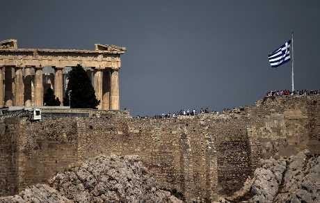 希臘警方表示,找到八個可疑包裹。路透社