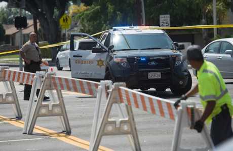 警方在附近戒備。新華社
