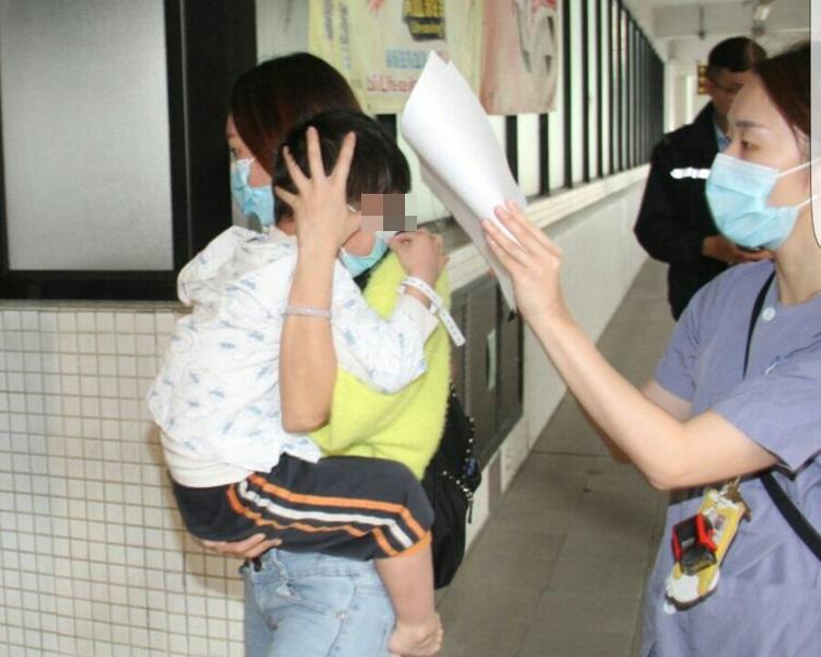 荃灣父疑感情問題攬兩孩燒炭。