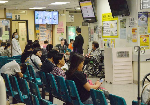 內科住院病床於午夜時的佔用率為108%。