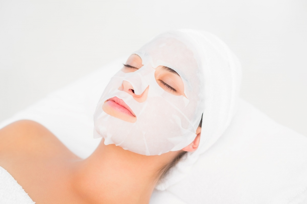 面膜內的防腐劑或會令皮膚出現過敏反應。