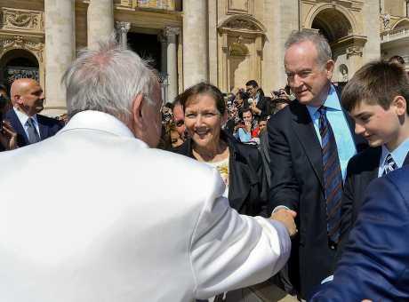 同日奧賴利發布和教宗握手的照片。AP