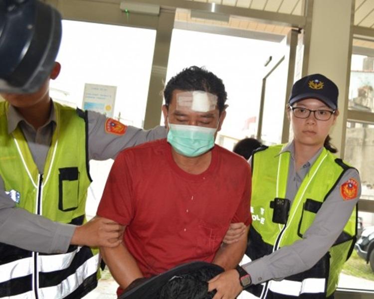 黃男頭部也受傷被警方拘捕。自由時報