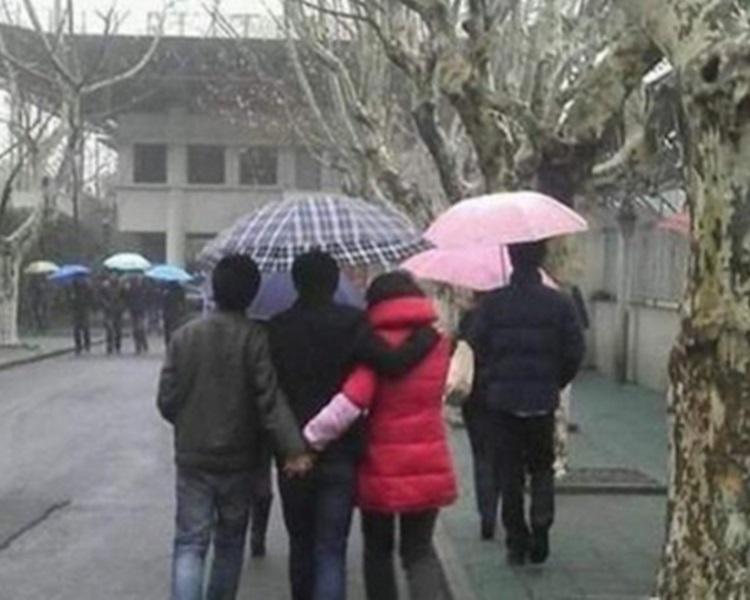 妻子趁丈夫不在家往離家不到1公里的鄰居家會情夫。網圖