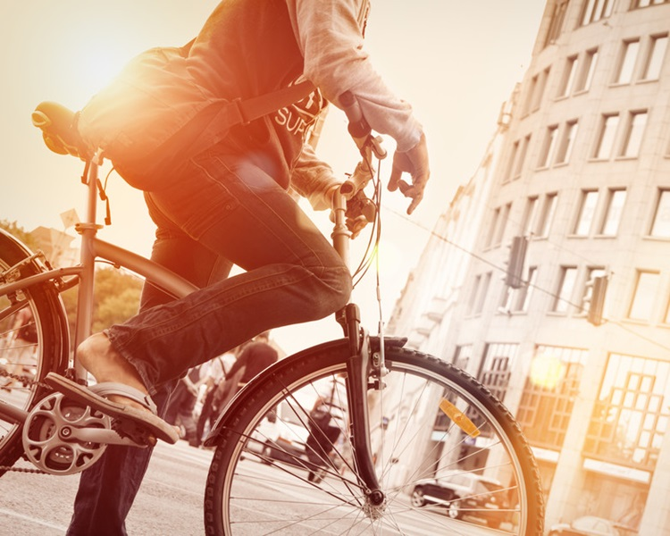 報告建議城市人多踏單車上班可更長壽。網圖