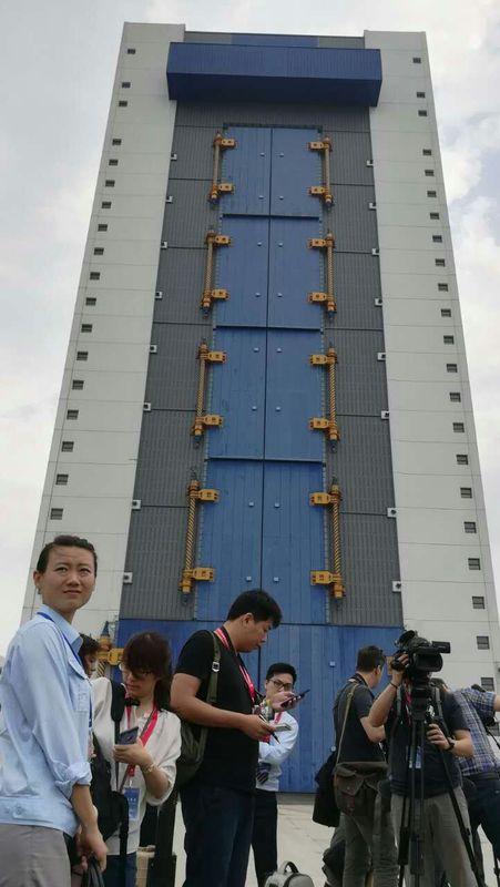 長征七號火箭垂直總裝測試場。楊浚湯攝
