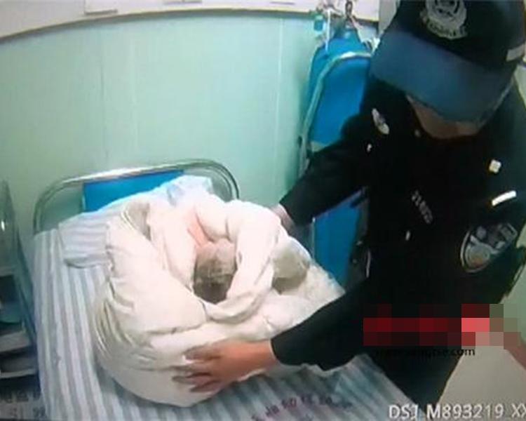 室友發現有人將小孩生在馬桶,非常害怕不知道如何處理,但20歲女生阻止報警。