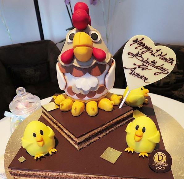 切埋cake慶祝細仔Avner滿月。