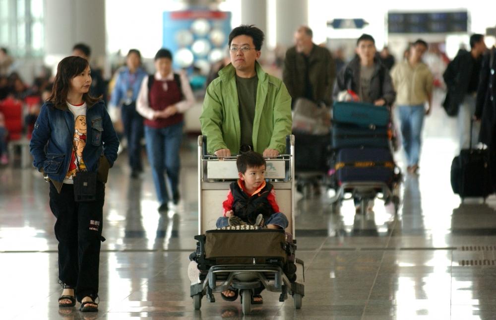入境處預計假期期間,有約554萬旅客人次經各海、陸、空管制站進出香港。資料圖片