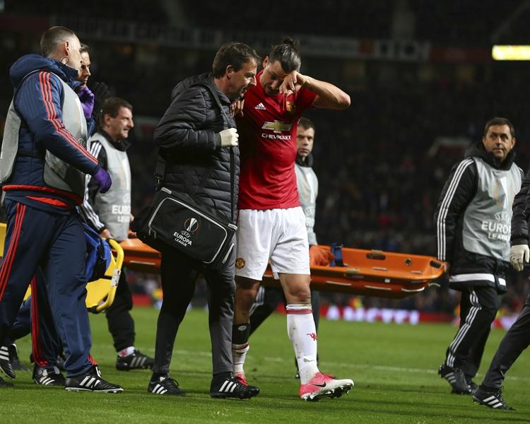 伊巴謙莫域在歐霸盃八強次回合中傷出。AP
