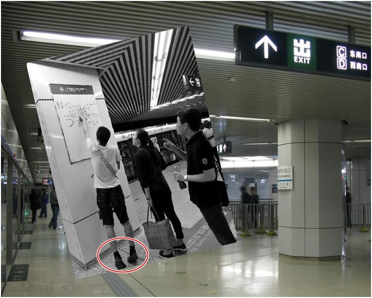 線路圖掛得實在太高,高1米8的男子也看得踮起腳尖(紅圈)。網圖