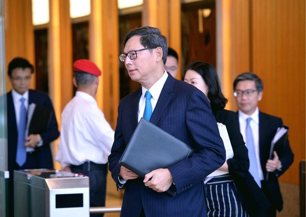 陳德霖宣布三招加辣措施。