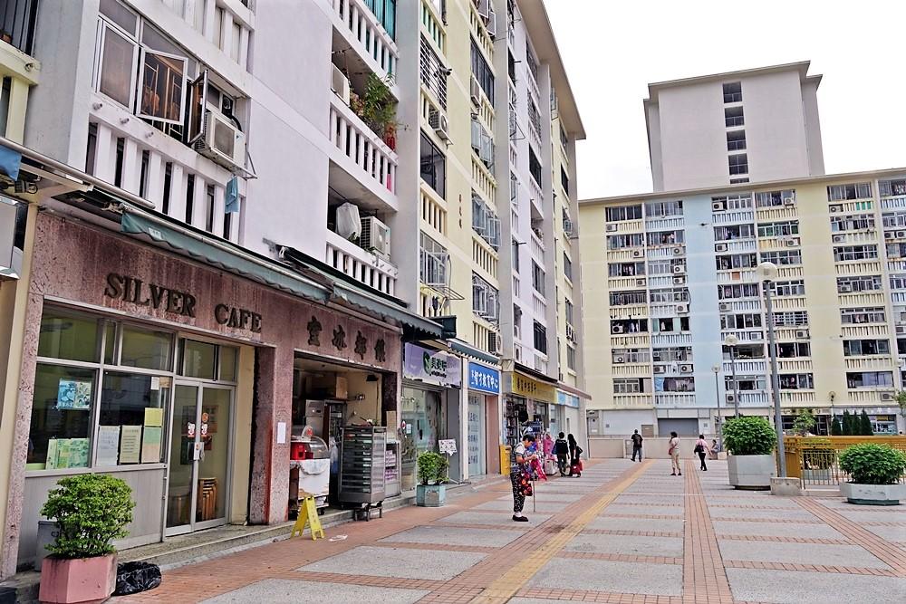 房委會昨向南區區議會簡介華富邨重建最新進展。