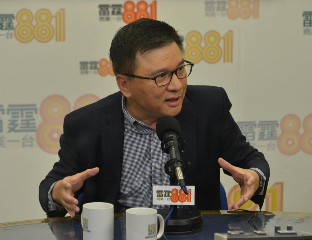 陳家強認為香港應趁大灣區的發展,與深圳等大灣區城市在科研、生產及融資多方面加強合作。