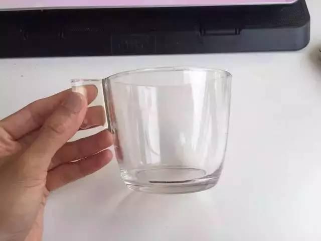 玻璃杯購自宜家家居。網上圖片