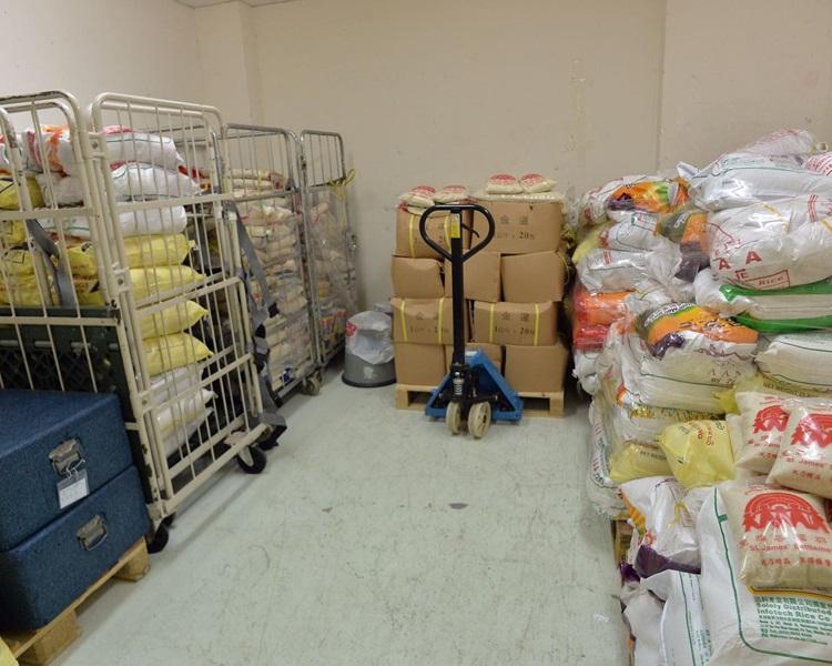 食物援助服務營運者亦面對欠缺資金、地方、人手等問題。