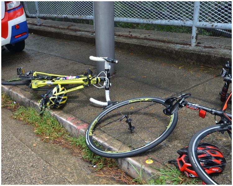 單車疑因收掣不及撞向的士。