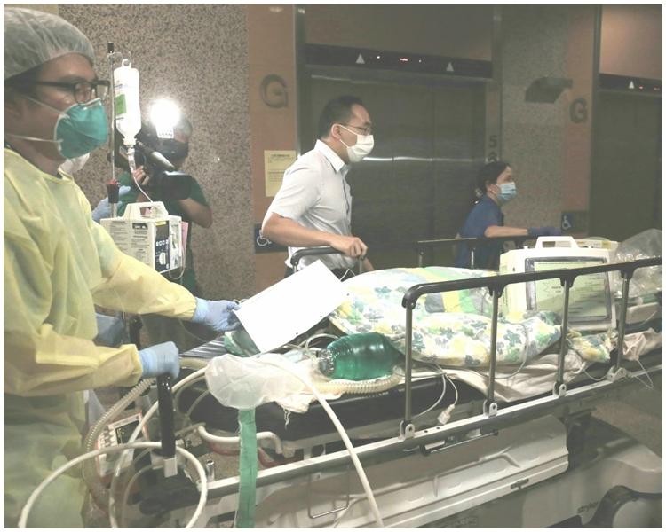 救護員將其送往威爾斯醫院救治。