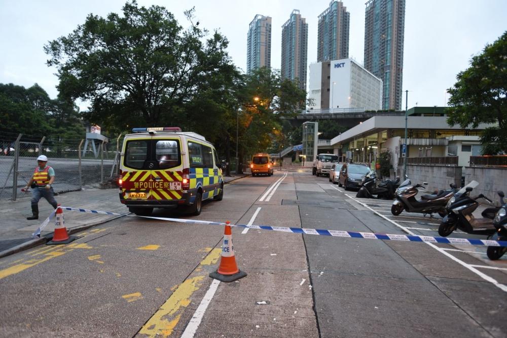 長沙灣警署停車場車輛,不能轉入長順街。