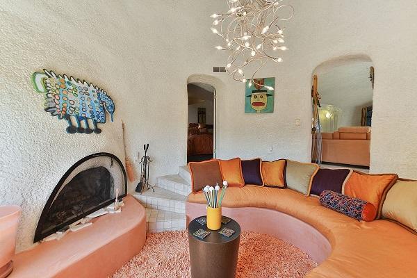 「哈比人屋」内有客厅,3间睡房和两个浴室。