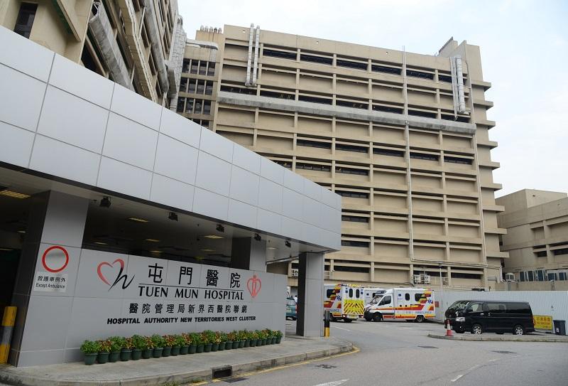 其中一名警員面部及口部受傷,清醒送屯門醫院治理。資料圖片