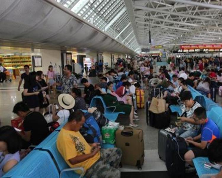 海南島兩大機場共取消69班航機。