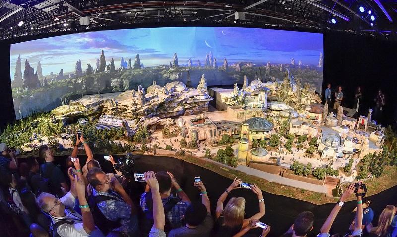 美國佛州迪士尼全新星戰主題園區預計2019年開幕。美聯社