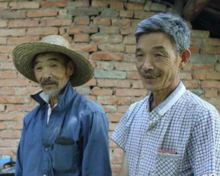 77歲夏科林(左)和65歲的弟弟夏科新。