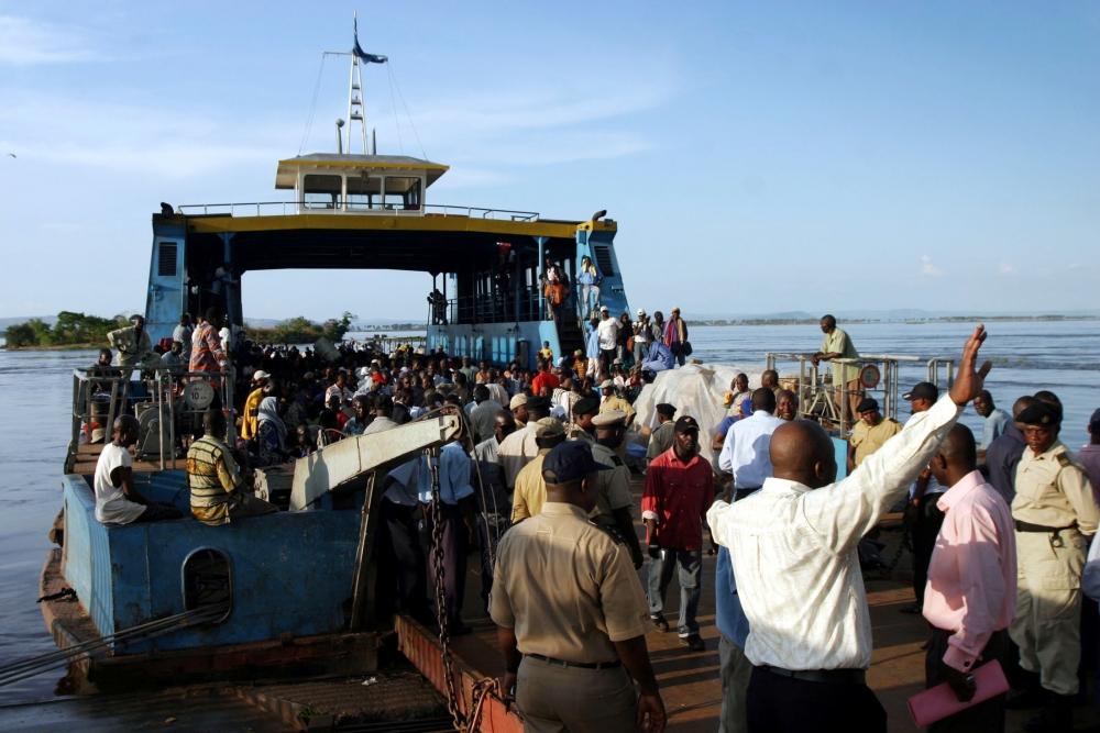 剛果居民出外主因依靠渡輪。網上圖片