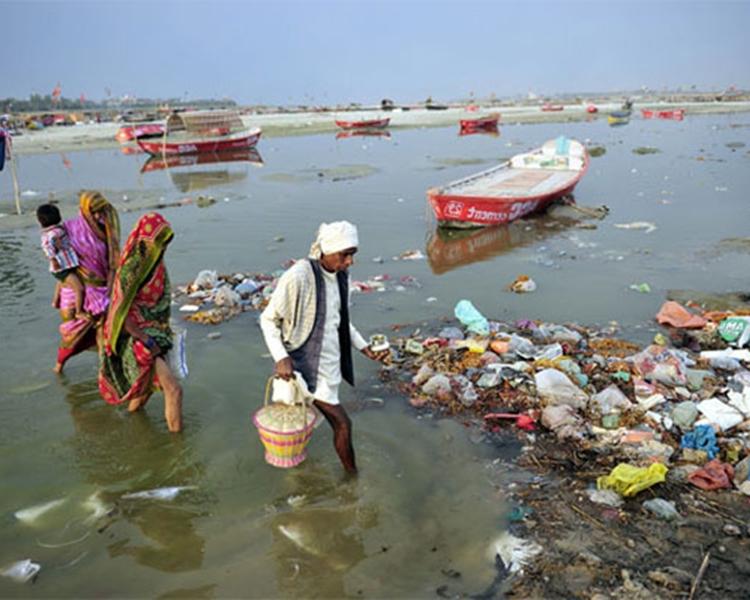 恆河被人嚴重污染。