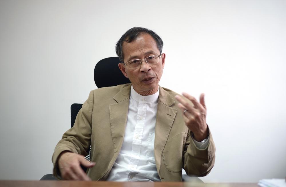 曾鈺成表示修改議事規則無助阻止「拉布」。