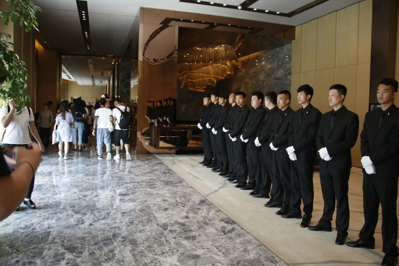 大會安排保安維持秩序。