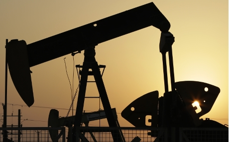 國際能源署上調今年全球石油需求增長預測,刺激期油價格回升。AP