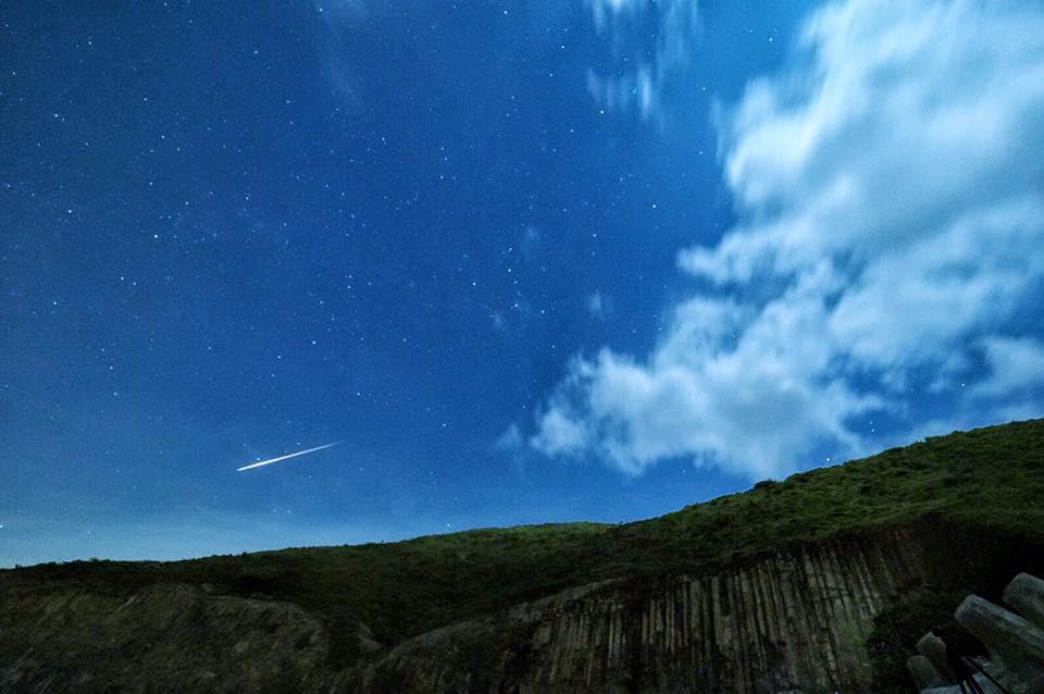 流星劃破香港長空。社區天氣觀測計劃CWOS Benny Wong攝