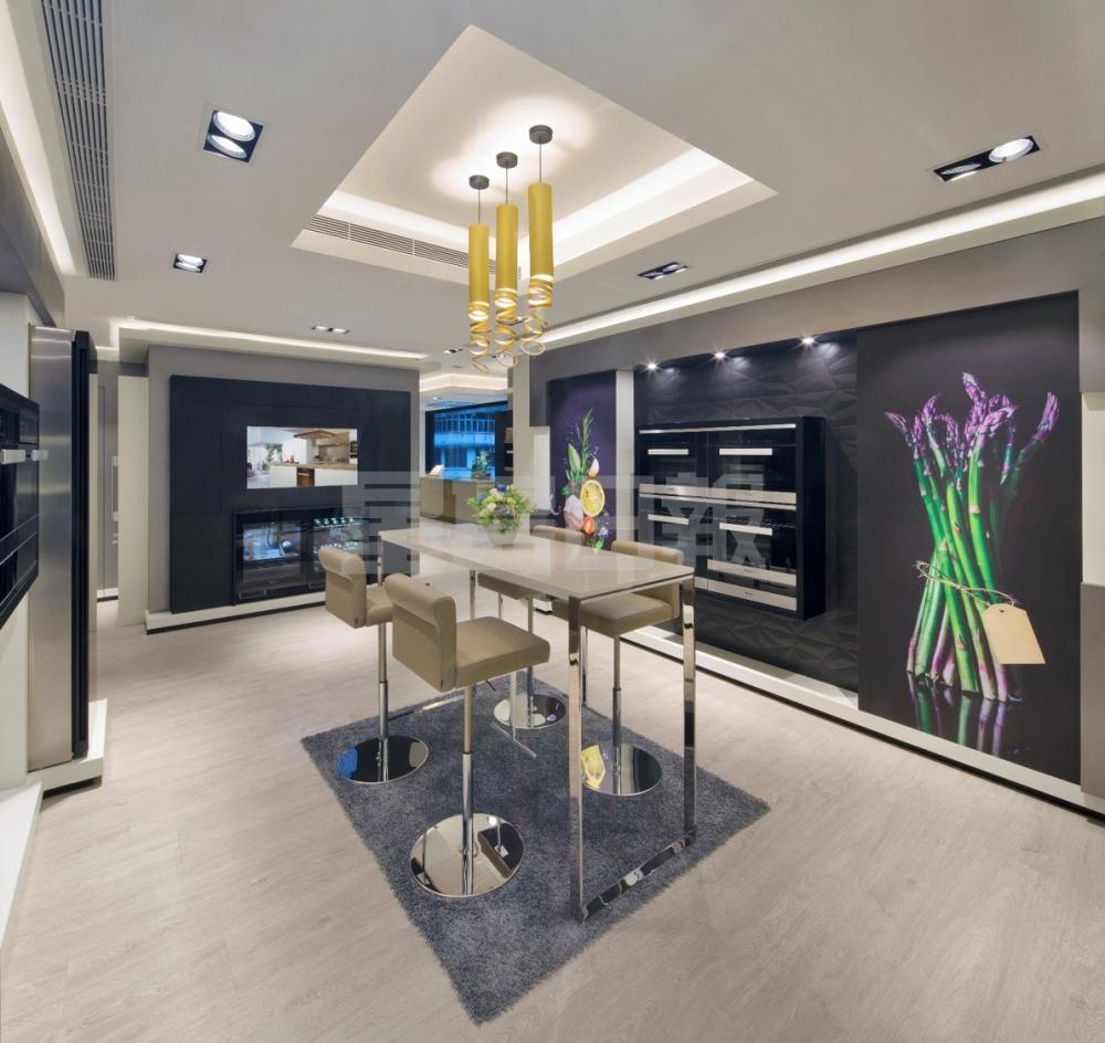 Miele為慶祝在香港成立20週年,特別於銅鑼灣開設Miele Experience Centre,樓高2層、佔地逾3,700方呎,展示出品牌最齊全的家庭護理產品和廚房家電。