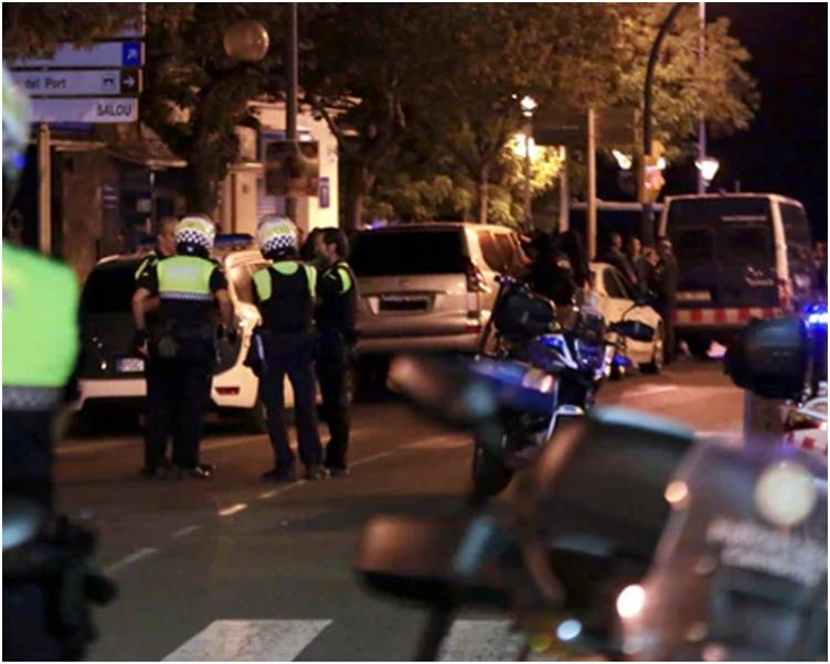 西班牙警方在小鎮坎布里爾斯與一批激進分子爆發槍戰。網圖