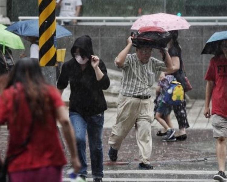今日全台仍有局部短暫陣雨或雷雨