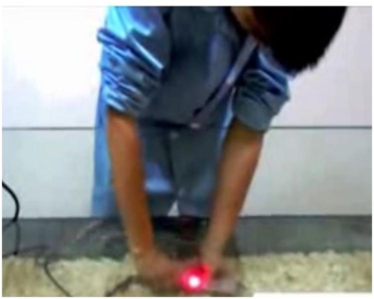 防水插座號稱在水中拔插頭也不會觸電。網上圖片