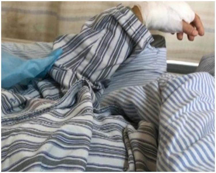被斬傷母親目前無生命危險。網上圖片